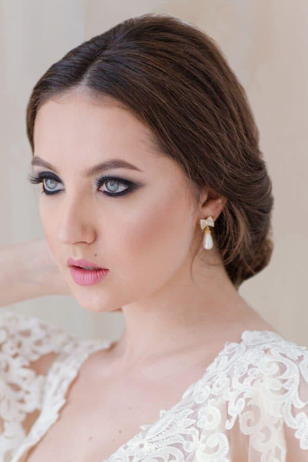 bijuterii perle mireasa, cercei mireasa romantici, cercei perle, cercei cristale mireasa, bijuterii cristal mirese