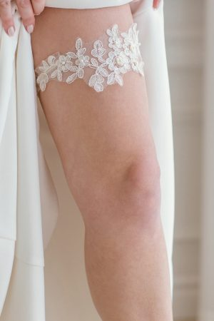 lace wedding garter, single garter, white lace garter, white wedding garters, bridal accessories