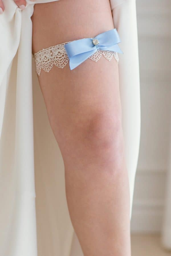 bridal shower gifts,single garter, wedding accessories, white lace garter, something blue garter