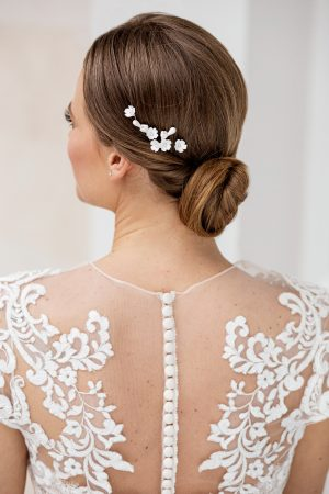 delicate wedding hairpins, floral hairpiece, white bridal hair pins, bridal hair accessories, bridal hair pin set